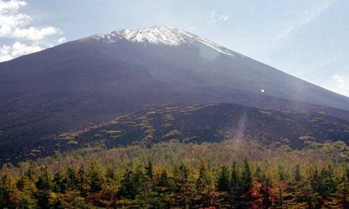 Gunung Fuji dilihat dari Gogome (dalam keadaan cerah)